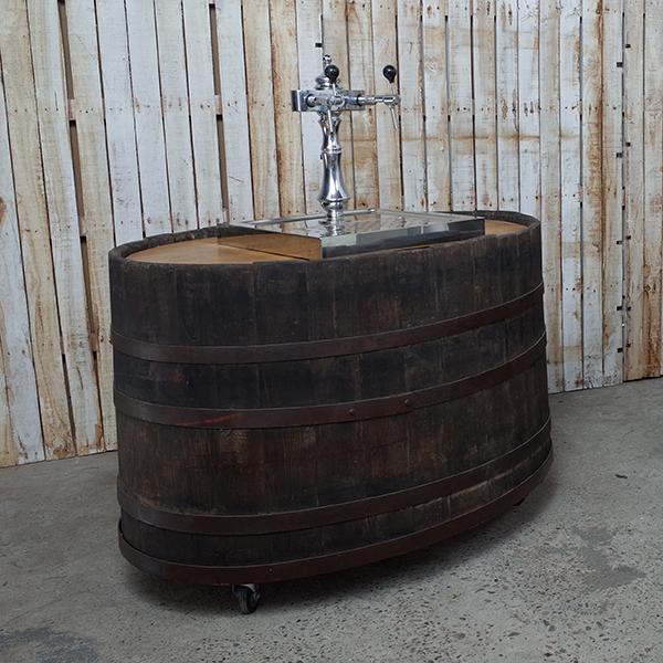 wijnfustbar met tapinstallatie