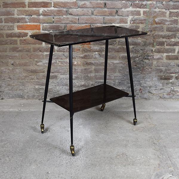 zwart tafeltje